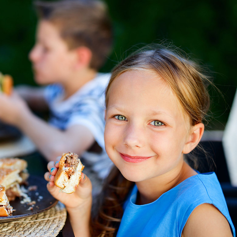 young girl at bbq_780